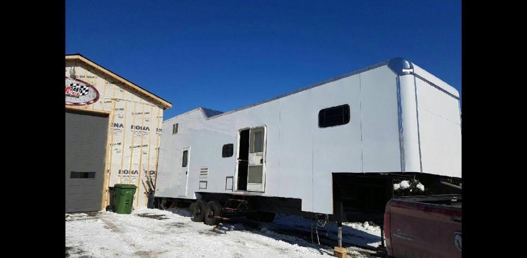 roulotte motorisé cargo réaménagement remise à neuf
