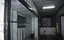 Remorque aménagée en garage de mécanique